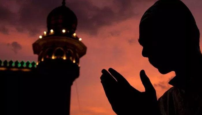 نماز کے بعد دعامیں ہاتھ اٹھانا