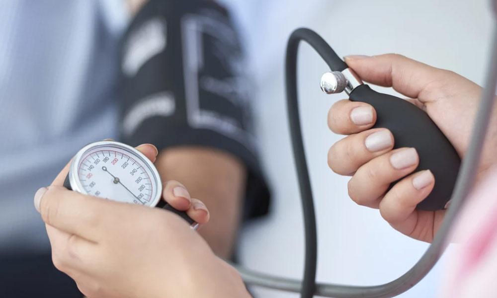 بُلند فشارِ خون: نہ ختم ہونے والا مرض