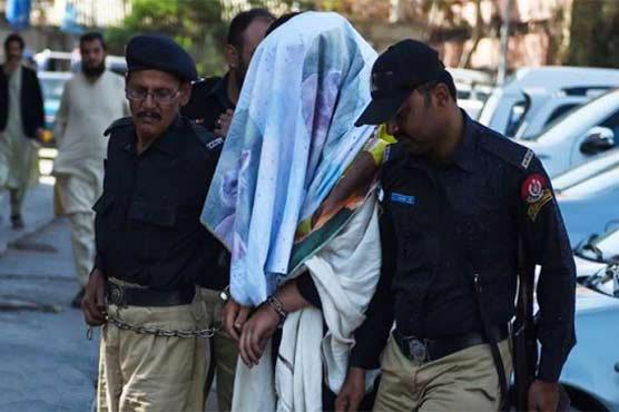 کراچی کی ڈائری 'شہر قائد، ڈاکوؤں کے رحم و کرم پر'