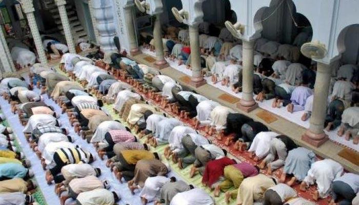 غیر معذور کی معذور کے پیچھے نماز نہیں ہوتی