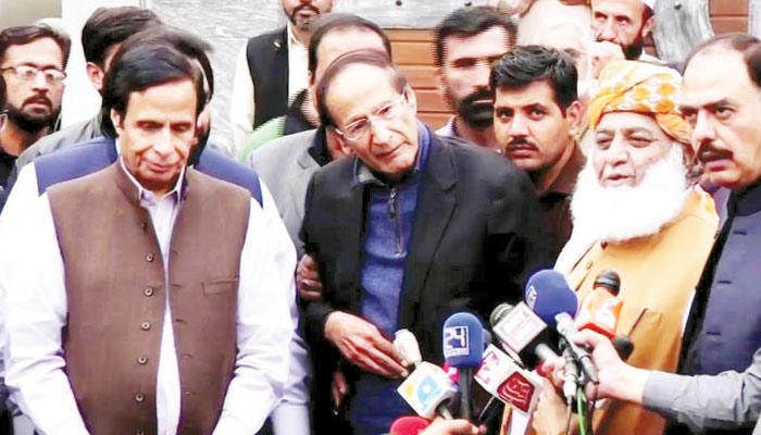 اسلام آباد دھرنا.... اِک گُتھی، جو سلجھ نہ سکی