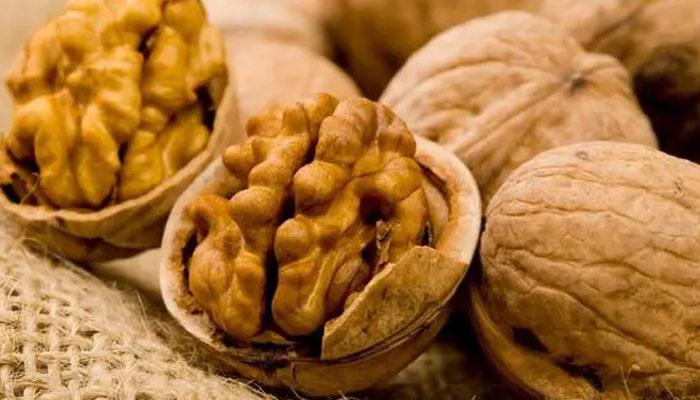 'متوازن غذائیں' آپ کاحُسن اور جوانی برقرار رکھنے میں اہم کردار ادا کرتی ہیں
