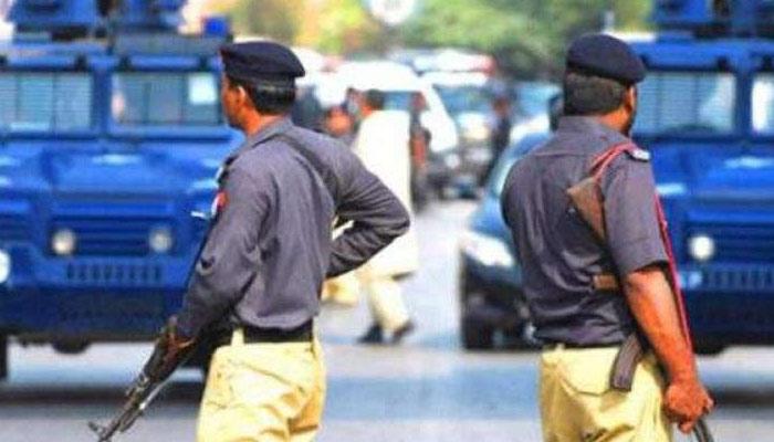پولیس قوانین کی خلاف ورزی 6 تھانیدار اور ہیڈمحرر معطل