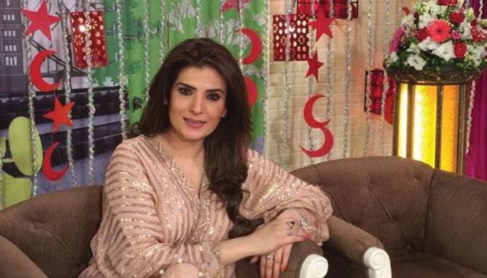 پاکستان فلم انڈسٹری کے دو مقبول ستارے ''ریشم اور صبا قمر''