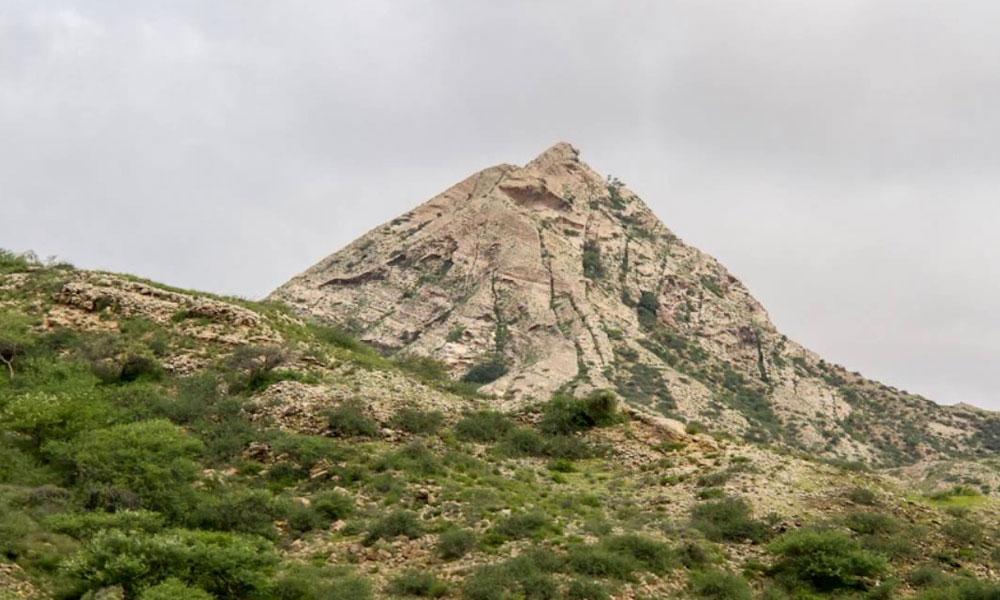 'کیر تھر رینج' قیمتی معدنیات اور نایاب نسل کی جنگلی حیات سے مالامال پہاڑی خطہ