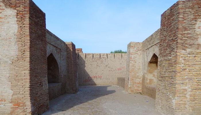 'امر کوٹ کا قلعہ' حکم رانوں کے عروج و زوال اور رومانوی داستانوں کا خاموش گواہ