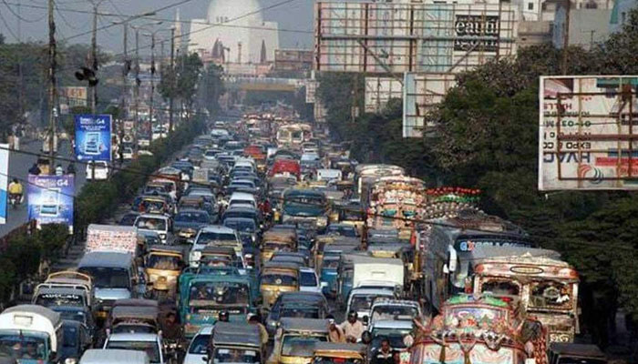 سڑکوں پر ٹریفک کا ازدحام....