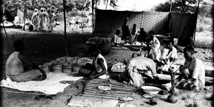 'پچاس کی دہائی میں کراچی' حدِ نظر تک جھونپڑیاں ہی جھونپڑیاں نظر آتی تھیں