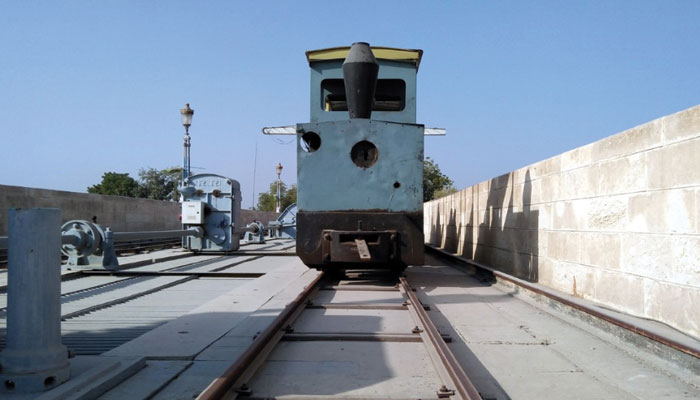 'سکھر بیراج کی انسپکشن ٹرین' ملک کے چند سربراہان اس کے سفر سے لطف اٹھاچکے ہیں