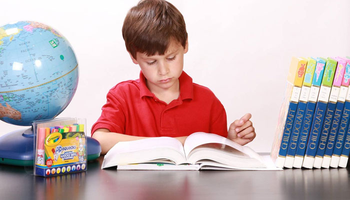بچوں کو مطالعہ کرنے کا عادی بنائیں