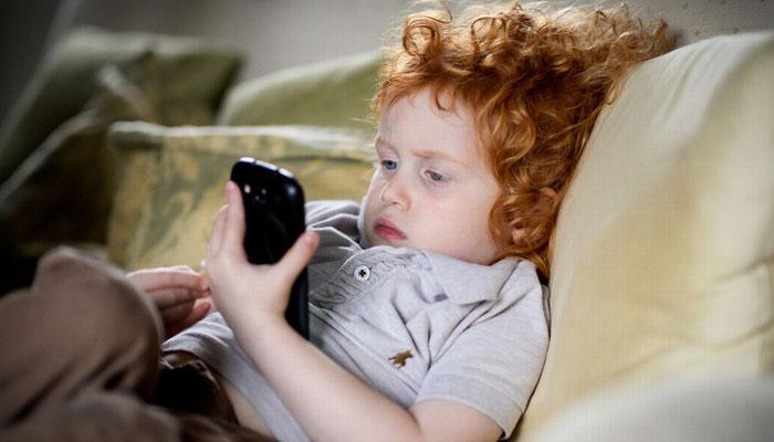 موبائل فون کا استعمال...بچوں پر کیسےنظر رکھیں ؟