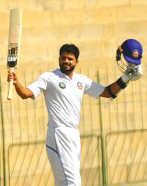 انگلینڈ میں پاکستانی کرکٹرز کی آزمائش کا آغاز