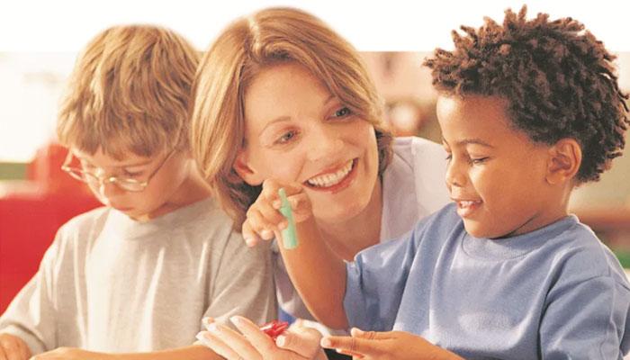 بچوں کا رویّہ مثبت بنانے کیلئے کردار ادا کریں