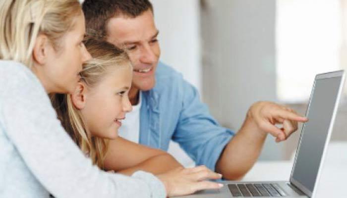 ٹیکنالوجی کےاستعمال میں بچوں کی نگرانی