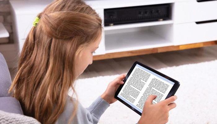 پرنٹ میڈیم یا ڈیجیٹل...  بہتر تعلیمی نتائج کون دیتا ہے؟