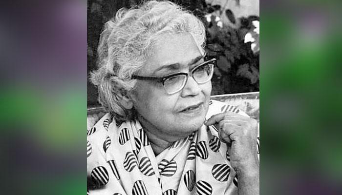 اردو ادب کی متنازعہ مگر مقبول ادیبہ 'عصمت چغتائی'