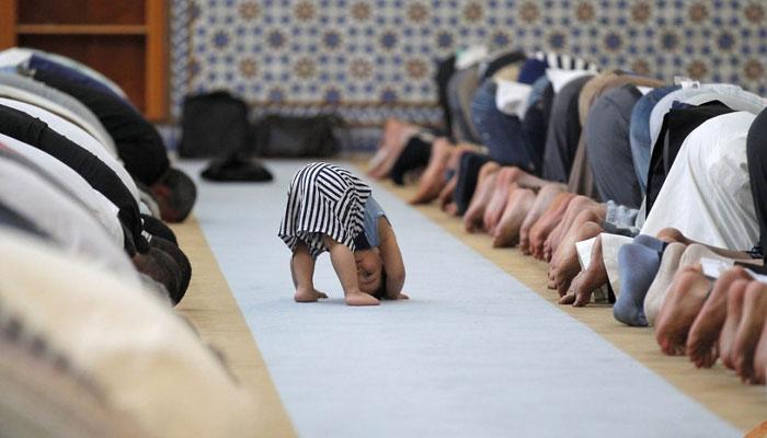 چھوٹے بچوں کو مسجد میں لانا