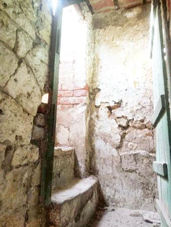 ماضی کی داستانیں سنھ کی قدیم عمارتیں