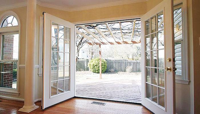 گھر میںانوکھے طرز کے دروازے لگائیں