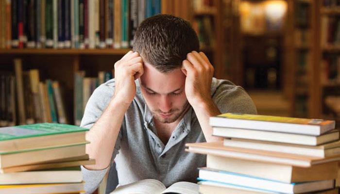 حصولِ تعلیم میں اعلیٰ کارکردگی دکھانے کا دباؤ