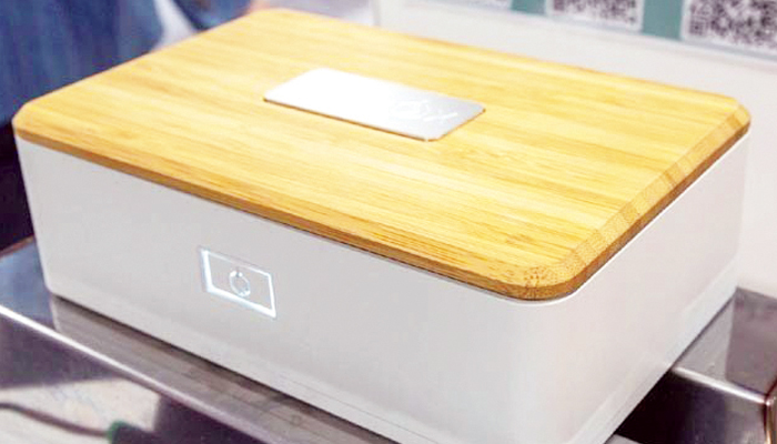 اپنا کھانا خود گرم کرنے والا لنچ باکس