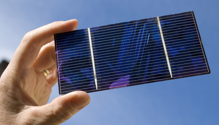 مرچیں تیز کرنے والا کیمیکل شمسی سیل کو بہتر بنائے گا