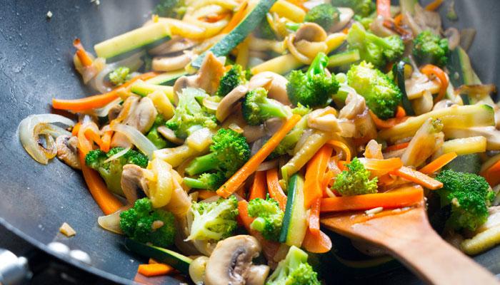 سبزیاں پکاکر بیش بہا فوائد حاصل کریں