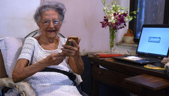 ملکہ بمبئی، ''لیونورا ریمنڈ ''