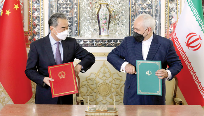 چین ایران معاہدہ... مبصرین کا کہنا ہے کہ یہ خطے میں گیم چینجر ثابت ہوسکتا ہے