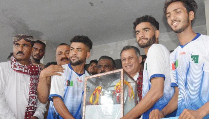 فٹبال تنازع، اجلاس بلانے کا فیصلہ، ملک میں کھیلوں کی سرگرمیاں معطل