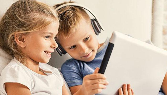 بچوں کو انٹرنیٹ پر احتیاط برتنا سکھائیں