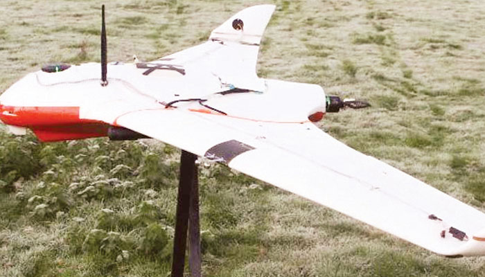 بادلوں میں بجلی بھر کے بارش برسانے والے غلیلی ڈرون