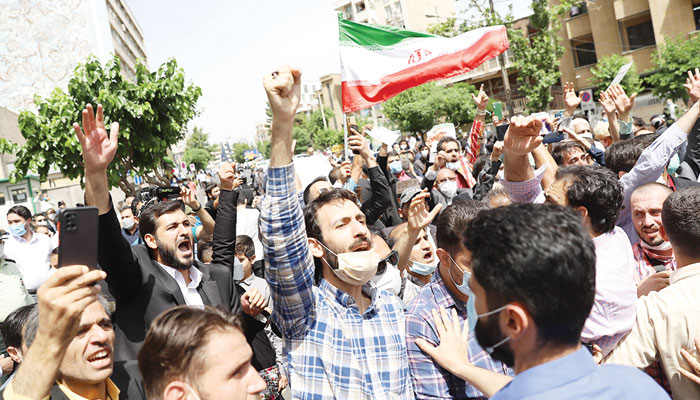ایرانی صدارتی انتخابات: قدامت پسند امیدوار کا پلہ بھاری؟؟