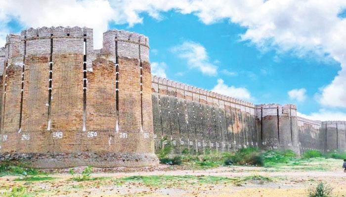 تھر کا دروازہ ''نو کوٹ قلعہ''