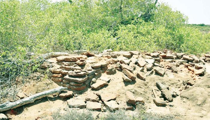 گولارچی میں ''انڑ کوٹ'' کے کھنڈرات