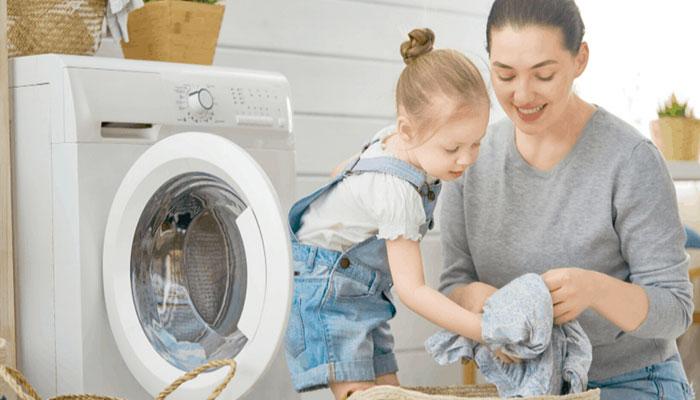 بچوں کو منظم ہونے اور صفائی ستھرائی کی اہمیت بتائیں