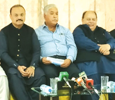 پاکستان فٹبال فیڈریشن اختلافات کا شکار، نوید حیدر کا استعفی بڑا دھچکا