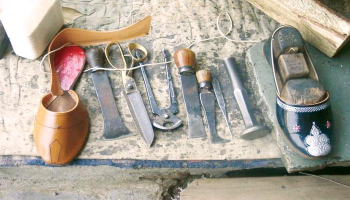 سندھ میں پارچہ بافی اور چمڑے کی صنعت