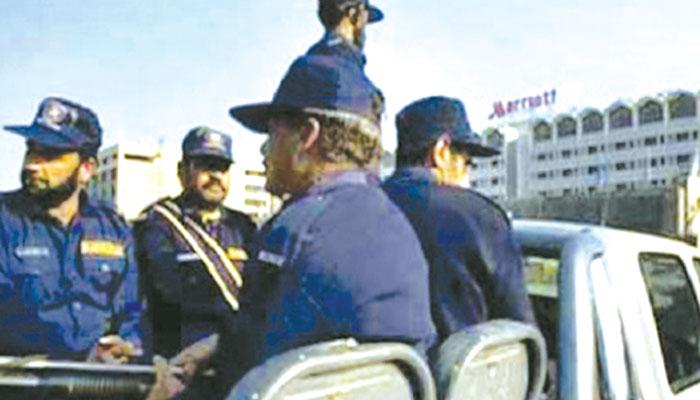نجی سیکیورٹی کمپنی کا ڈرائیور، ڈاکو بن گیا