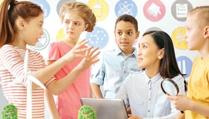 نوجوانوں کو مستقبل کے ہنر سکھانے کی اہمیت