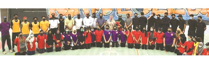 الفا ڈاج بال ایونٹ کے اختتام پر کھلاڑیوں اور منتظمین کا گروپ