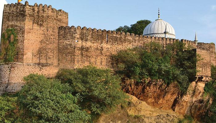 قلعہ سنگھنی... ایک پُرشکوہ یادگار