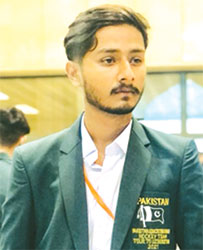پاکستان ایجوکیشن بورڈ ہاکیٹیم کے کھلاڑی شایان احمد