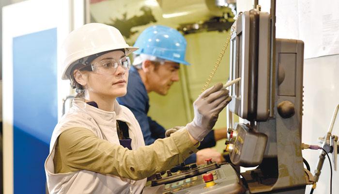 معاشی ترقی کیلئے خواتین کے کردار کی اہمیت