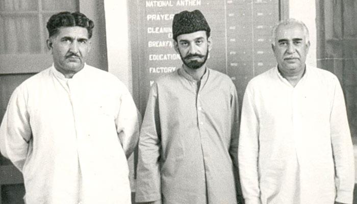 بائیں سے،میر گُل خان نصیر، سردارعطاء اللہ مینگل اور میر غوث بخش بزنجو کی ایک یادگار تصویر