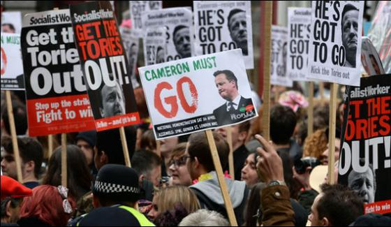 Londonthousands Protester Demand The Resignation Of Pm