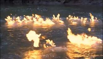 Australiafire In River Protest Against River Pollution