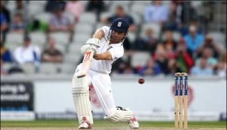 England Overall Leads Against Pakistan Is 489 Runs In Manchester Test