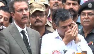 Wohra Stops Waseem Akhtar To Talk