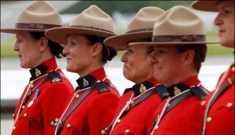 Canada Govt Allow Lady Police To Wear Hijab On Duty